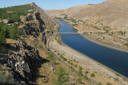Rio Eufrates [Wikipedia]