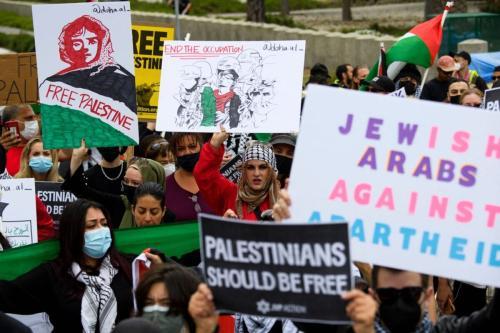 Protesto em apoio à Palestina, em Los Angeles, Estados Unidos, no 73° da Nakba — 'catástrofe', como é descrita a criação do Estado de Israel, via limpeza étnica, em 1948 —, 15 de maio de 2021 [Patrick T. Fallon/AFP via Getty Images]