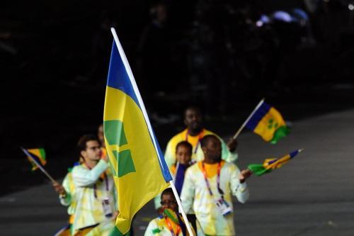 Bandeira de São Vicente e Granadinas, em 27 de julho de 2012 [Laurence Griffiths/Getty Images]