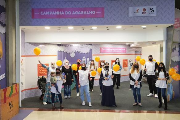 Campanha do agasalho organizada pelo Instituto Cinco Pilares no Shopping Metrópole, em São Bernardo do Campo, São Paulo, em dia 26 de junho de 2021 [Hani Aldrsani/ Monitor do Oriente Médio]