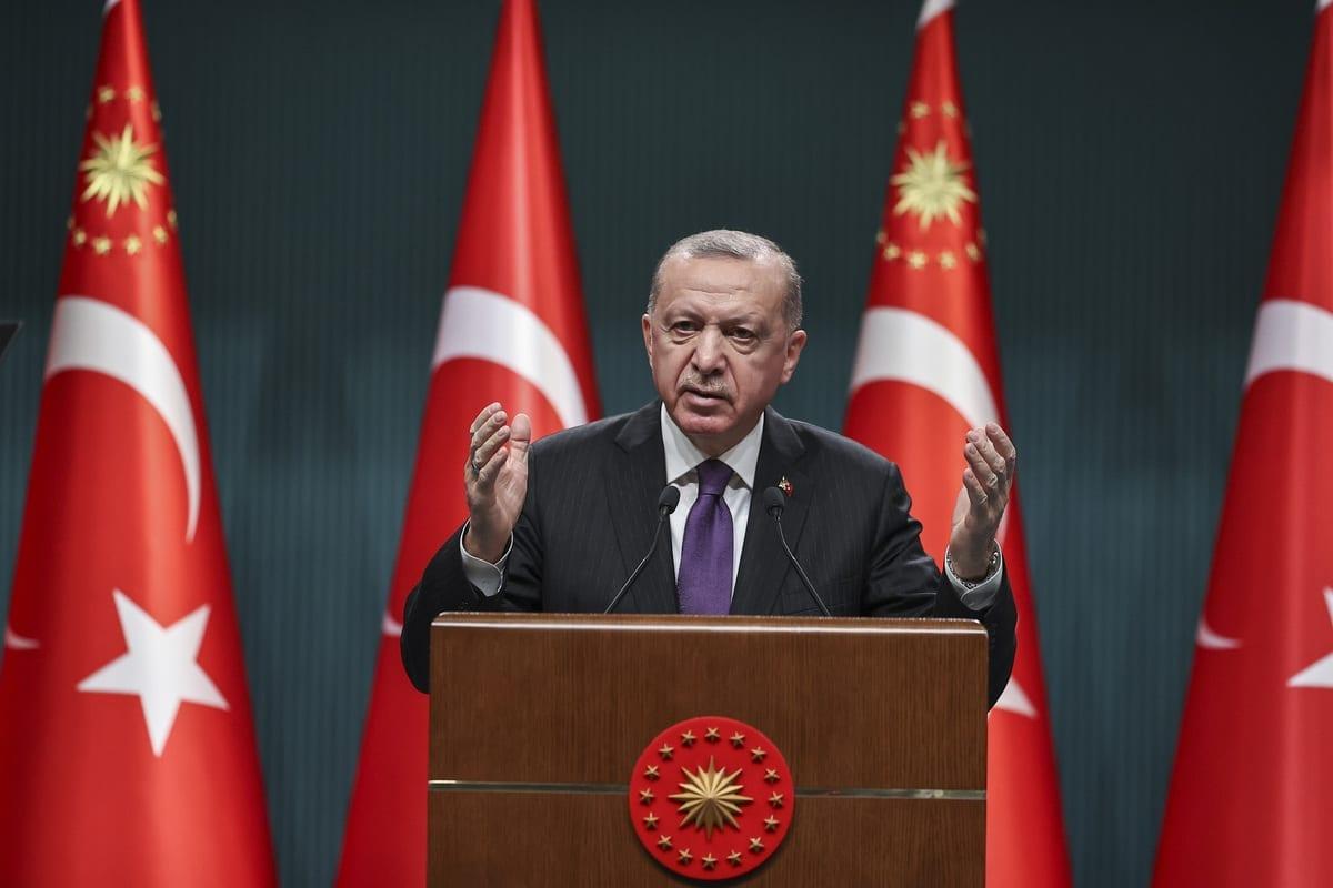 O presidente da Turquia, Recep Tayyip Erdogan, discursa durante coletiva de imprensa após a reunião do gabinete no Complexo Presidencial em Ancara, Turquia, em 1 de fevereiro de 2021. [Emin Sansar/Agência Anadolu]