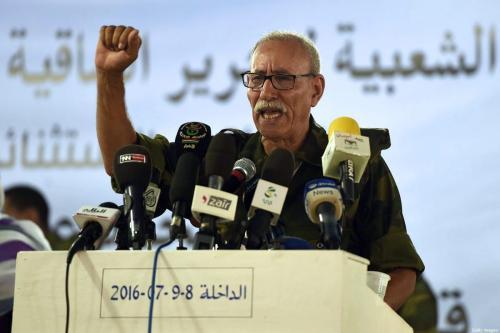 Brahim Ghali, recém-eleito secretário-geral da Polisário e presidente da autoproclamada República Árabe Democrática Sahrawi, discursa durante o congresso extraordinário da PF, em 9 de julho de 2016 [Farouk Batiche/AFP via Getty Images]