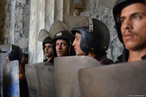 Policiais egípcios [Amr Sayed/Apaimages]