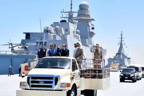 Presidente do Egito Abdel Fattah el-Sisi inaugura base naval em Gargoub, noroeste do Egito, perto da fronteira com a Líbia, em 3 de julho de 2021 [@egyptfwd/Twitter]