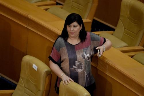 Abir Moussi, líder tunisiano do Free Destourian Party (PDL) participa de uma sessão plenária no parlamento da capital Túnis em 30 de julho de 2020 [FETHI BELAID/AFP via Getty Images]