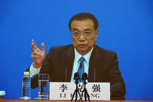 Primeiro-Ministro da China Li Keqiang durante videoconferência após encerramento do Congresso Popular Nacional, em Pequim, 28 de maio de 2020 [Andrea Verdelli/Getty Images]