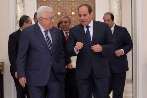 Presidente da Autoridade Palestina Mahmoud Abbas encontra-se com o Presidente do Egito Abdel Fattah el-Sisi no Palácio al-Ittihadiyah, no Cairo, 1° de fevereiro de 2020 [Thaer Ghanaim/Presidência Palestina/Agência Anadolu]