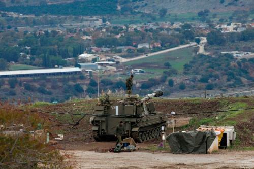 Tropas israelenses instaladas nas colinas de Golã, território sírio sob ocupação, em 3 de janeiro de 2020 [JALAA MAREY/AFP via Getty Images]