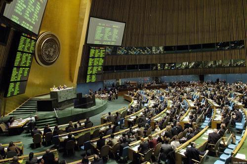 Assembleia Geral das Nações Unidas vota uma resolução para estabelecer o Conselho de Direitos Humanos da ONU, 15 de março de 2006, na sede da ONU em Nova Iorque. [STAN HONDA/AFP via Getty Images]