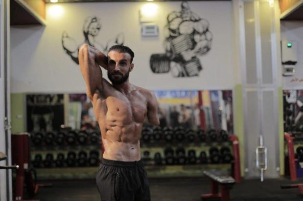 Nidal al-Da'our, paratleta palestino de levantamento de peso, gravemente ferido após sua ambulância ser atingida por um ataque israelense, enquanto evacuava uma família durante a ofensiva militar contra Gaza, entre 2008 e 2009