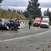 Accident grav petrecut în Pasul Tihuța între un autoturism și o autobasculantă