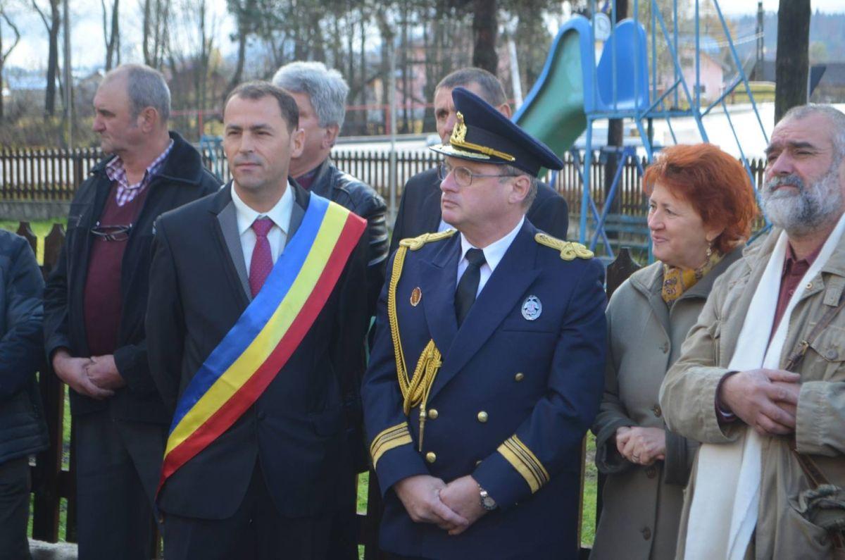 FOTO/VIDEO. Bust al poetului național Mihai Eminescu, dezvelit în comuna Coșna