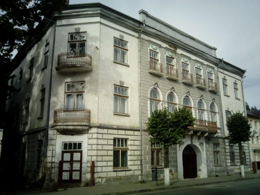 Petiție pentru anularea propunerii de demolare a clădirii vechi a Școlii nr.4