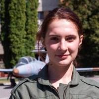 Bianca Ianovici, dorneanca pentru care niciun vis nu este prea înalt. A reușit prima la Academia de Aviație și în viitor va pilota elicoptere