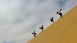 Szenenwechsel. Swakopmund. Sandboarding ist angesagt.