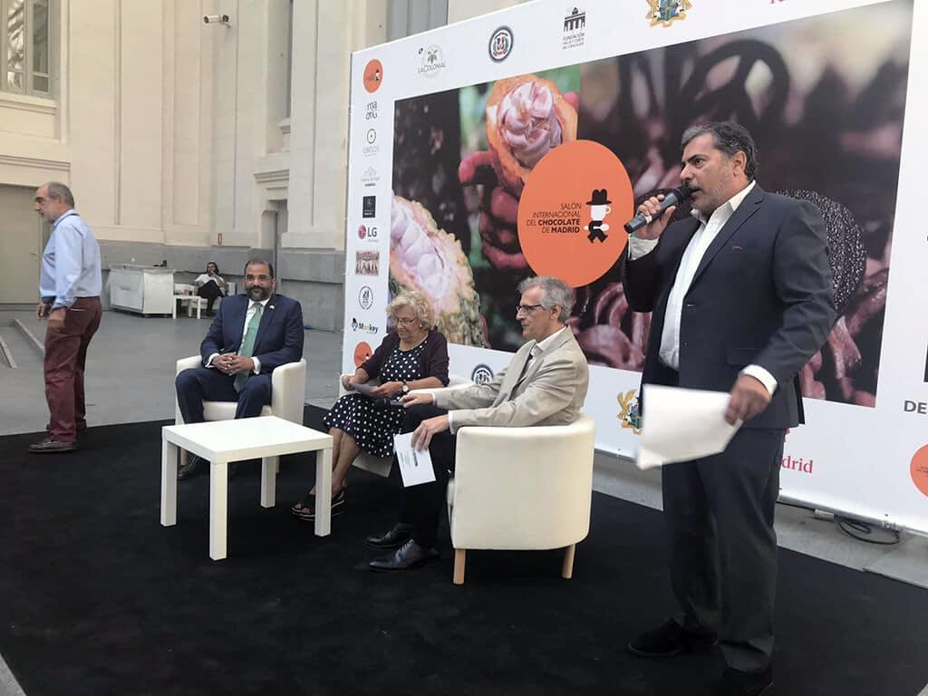 Manuela Carmena durante la inauguración del Primer Salón Internacional del Chocolate