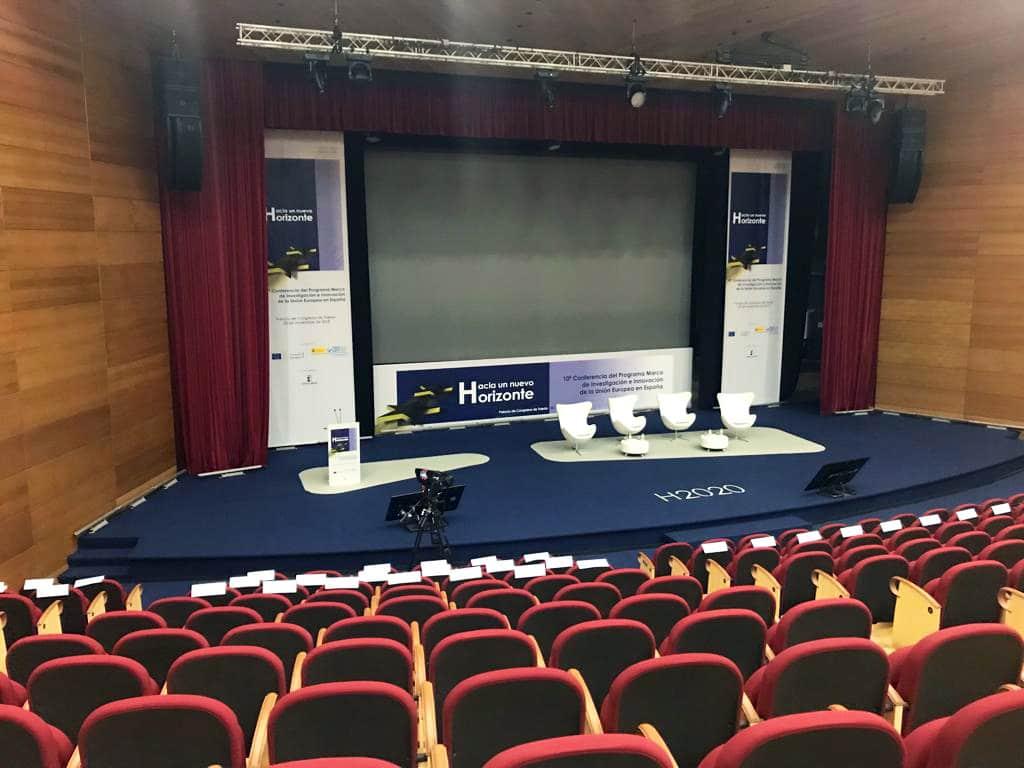 Visita superior del escenario desde la platea del auditorio del Palacio de Congresos de Toledo