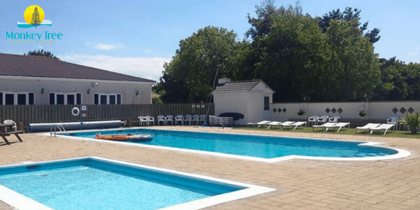 swimming pool in the Summer