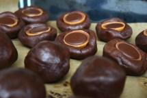 Schokoladenteig Toffifee gefüllt