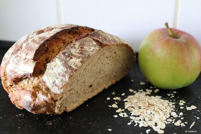 Roggen Haferflocken Apfel Brot
