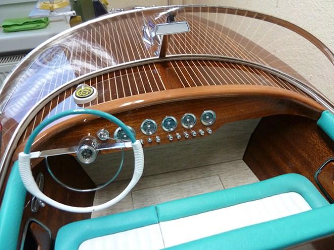 Modellboot Riva Instrumente