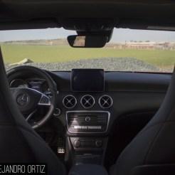 Mercedes-a200-amg-interior-2