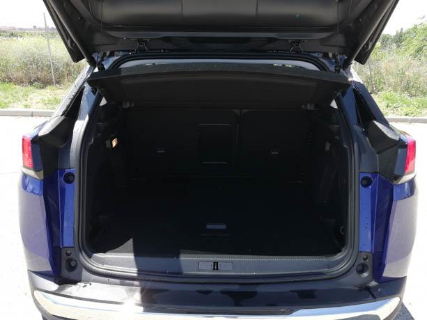 El maletero presenta unas formas muy regulares y aprovechables.