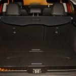El volumen del maletero con los asientos en su posición es de 472 litros