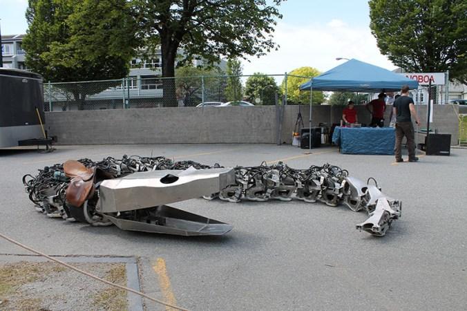 Giant robotic serpent