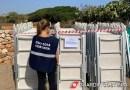 Monopoli, spiaggia libera occupata dai lettini privati in località Santo Stefano