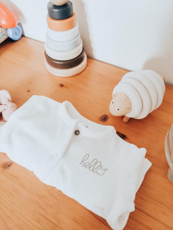 Tenue de naissance - valise maternité et salle d'accouchement - Mon peau de crème