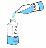 Mettre de l'eau dans le biberon