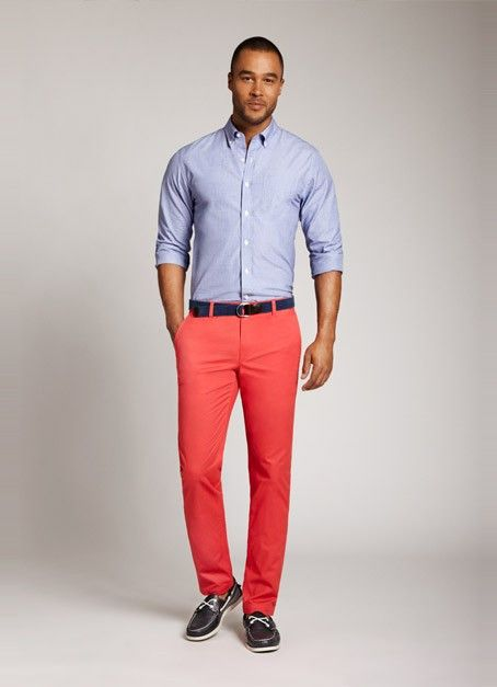 combi chino rouge chemise bleue