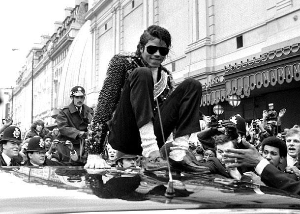 Michael Jackson en chaussettes blanches