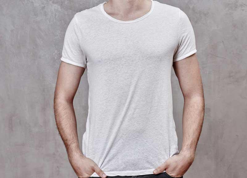 T shirt blanc avec col rond