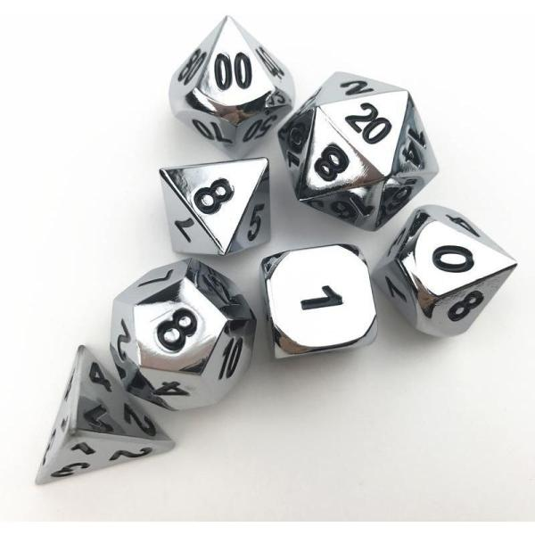 Set de dés en métal poli
