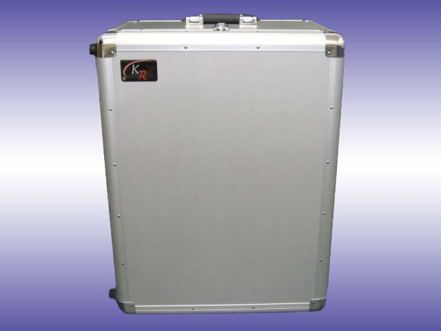 Prestige wheeled aluminium case