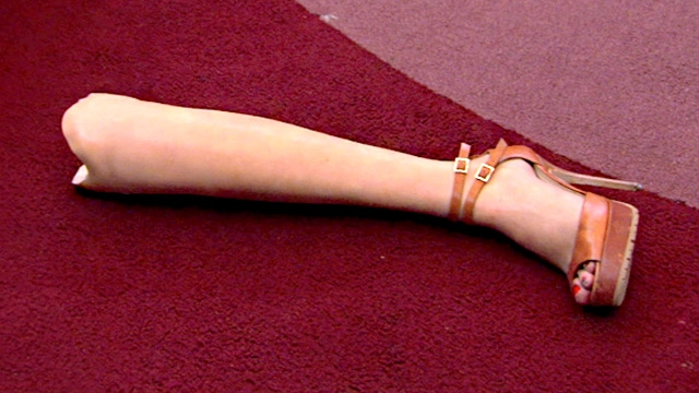 real-housewives-of-new-york-season-6-the-leg-in-gifs