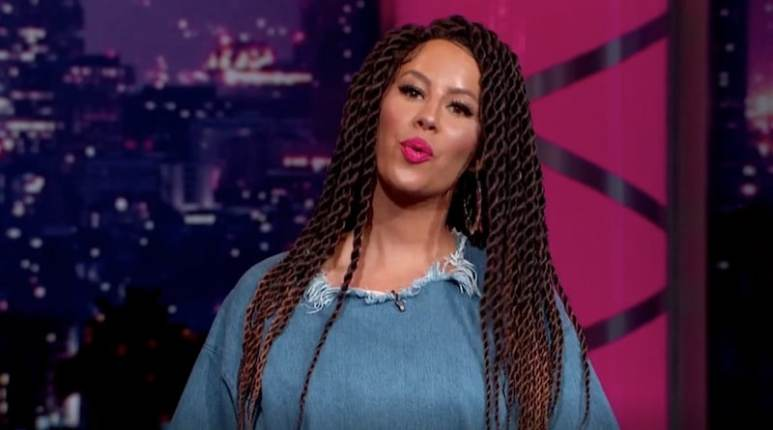 Amber rocking her new look on tonight's Amber Rose Show on VH-1