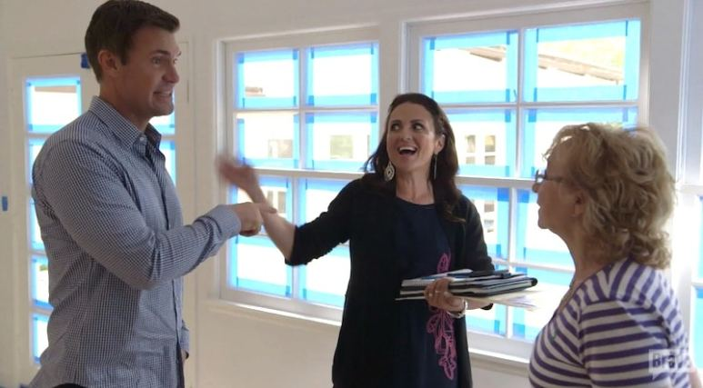 """Jeff tells the French client how Jenni has had """"a LOTTA sex"""" on tonight's Flipping Out"""