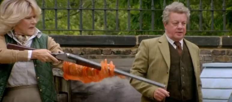The Tracey Ullman Show - Camilla with a shotgun
