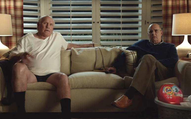 Terry Bradshaw and Jeffrey Tambor in the Tide Super Bowl 2017 commercial