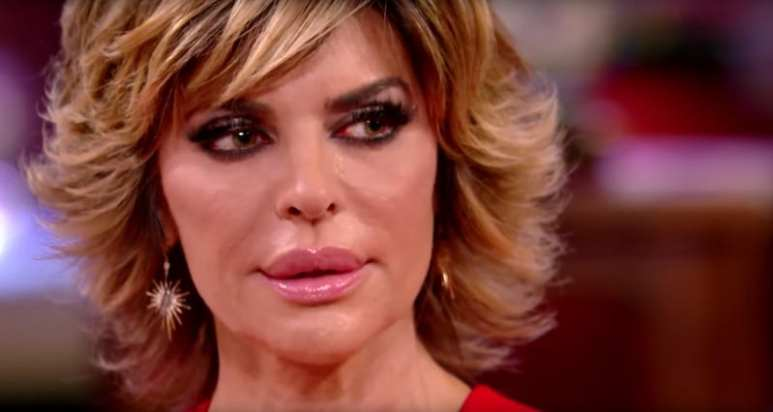 Lisa Rinna weeps after Kim Richards gives her bunny gift back on the RHOBH reunion