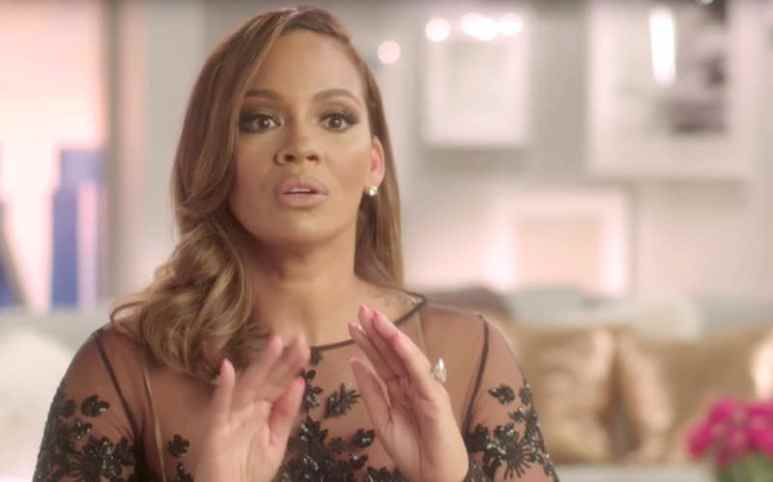 Evelyn Lozada talking to the camera about Jackie Christie on Basketball Wives