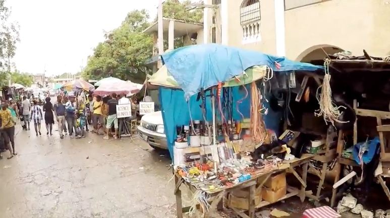 Photo of stalls and markets in Haiti