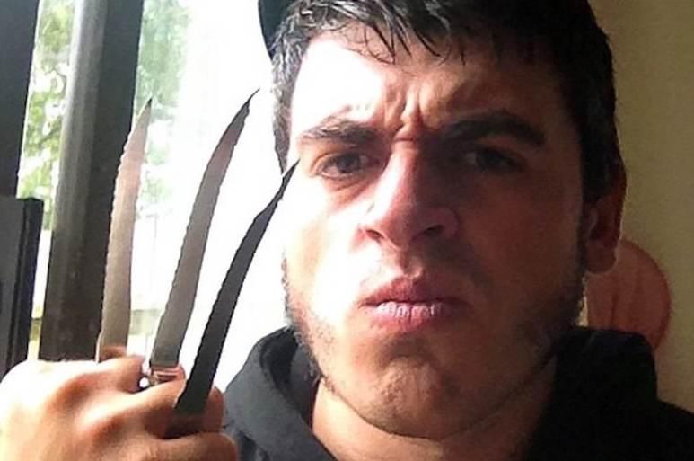 Jed Allen with a 'Wolverine' hand