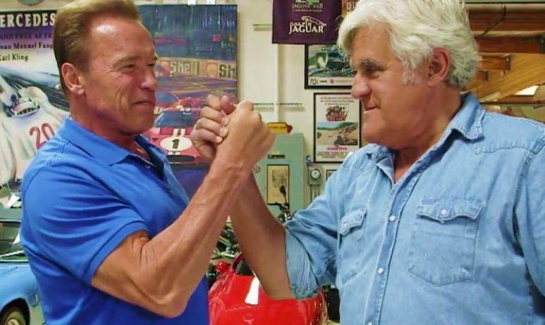 Arnold Schwarzenegger and Jay Leno arms wrestle
