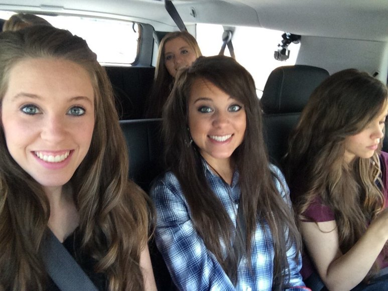 Jinger Duggar with Jill, Jessa, and Joy-Anna