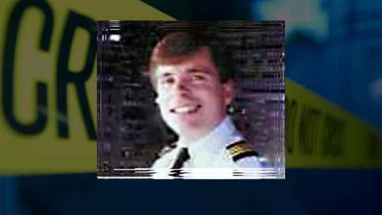 Stephen Craven was murdered - photo of Stephen in his Delta Airways pilot uniform