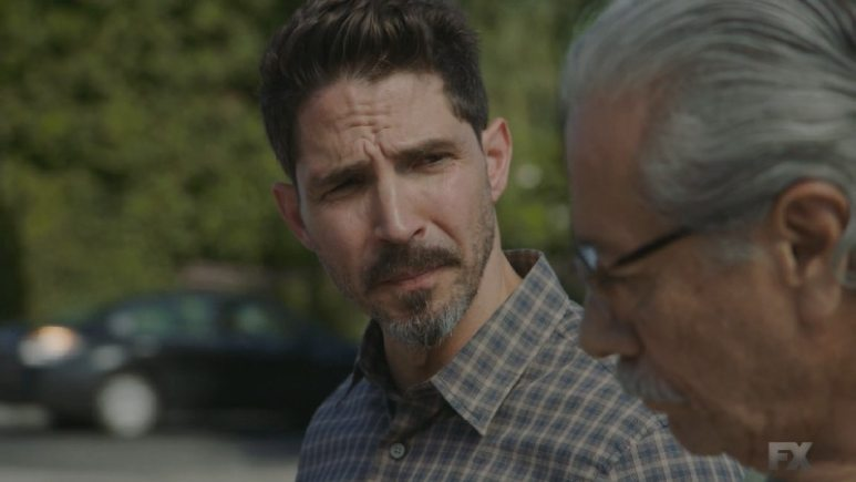 Still Image from Mayans M.C. Murciélago/Zotz. Kevin meets with Felipe to warn him about EZ